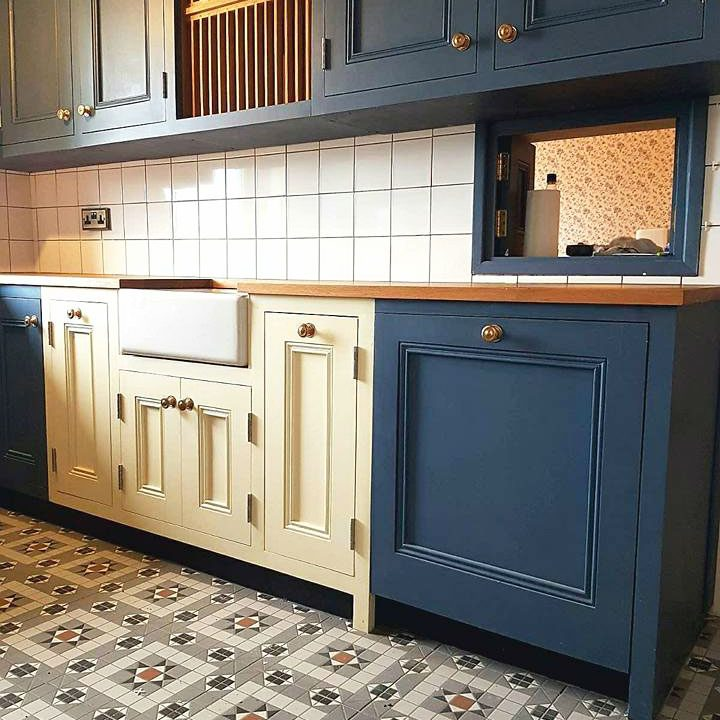 Solid Wood Kitchens & Bespoke Kitchen Furniture